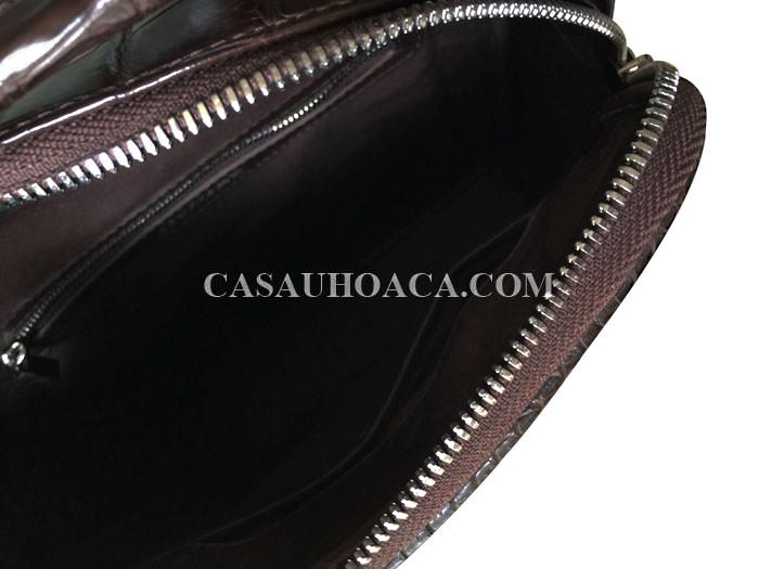Bên trong túi đeo chéo da cá sấu 0201