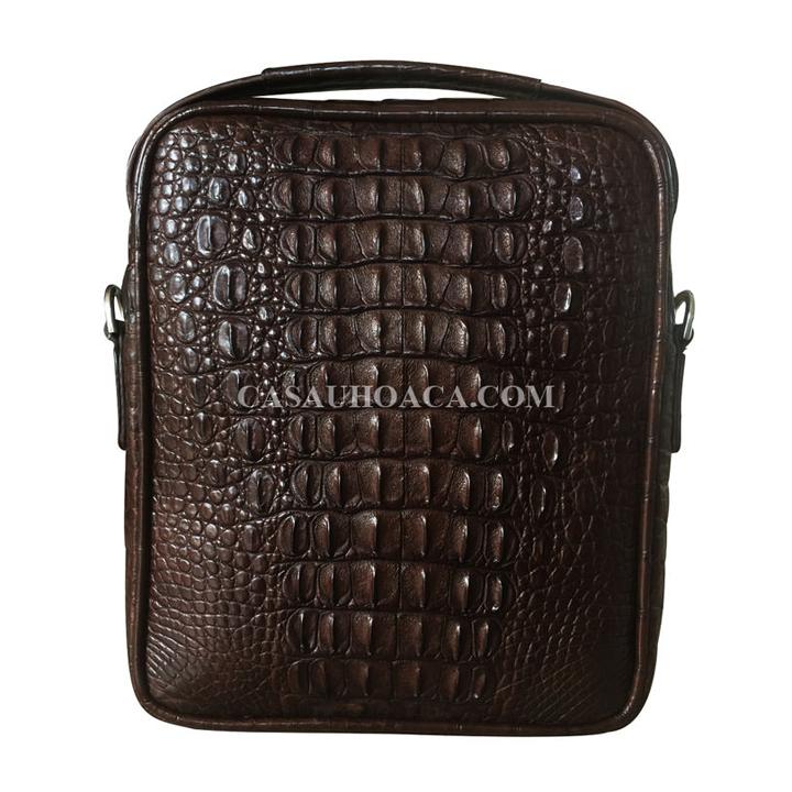 Mặt sau túi đeo chéo da cá sấu 0201