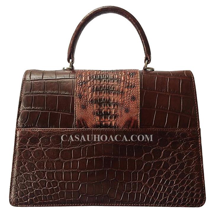 Mặt sau túi xách da cá sấu 0196