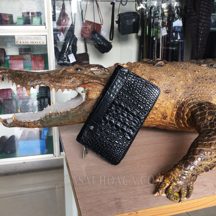 Ví da cá sấu da nguyên con tại shop ( hình 2)