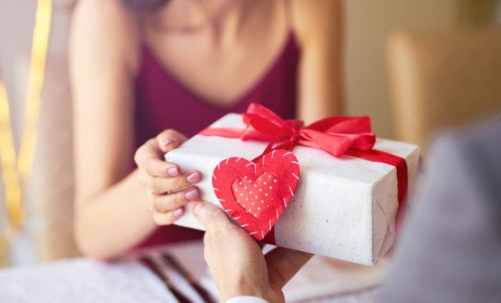 gửi quà tặng đến nhà
