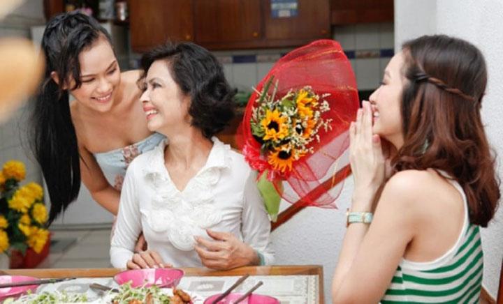 tặng hoa mẹ