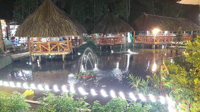 nhà hàng về đêm