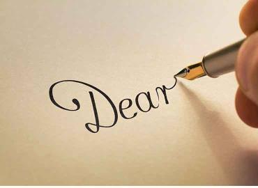 Cách viết thiệp mời sinh nhật bằng tiếng Anh