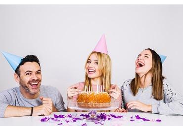 Chúc gì trong sinh nhật lầy lội của đứa bạn thân ?