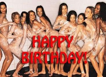 """Để có một sinh nhật """"bựa"""" đúng nghĩa"""