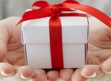 Ngày nhà giáo Việt Nam 20-11 nên tặng quà gì cho thầy cô ý nghĩa
