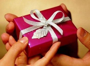 Quà tặng vợ tổng hợp ý nghĩa