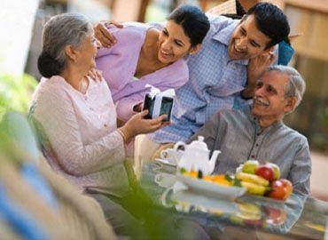 10+ Gợi ý bạn nên mua quà gì tặng mẹ và mẹ chồng thiết thực