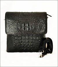 Túi đeo chéo da cá sấu màu đen - 0199